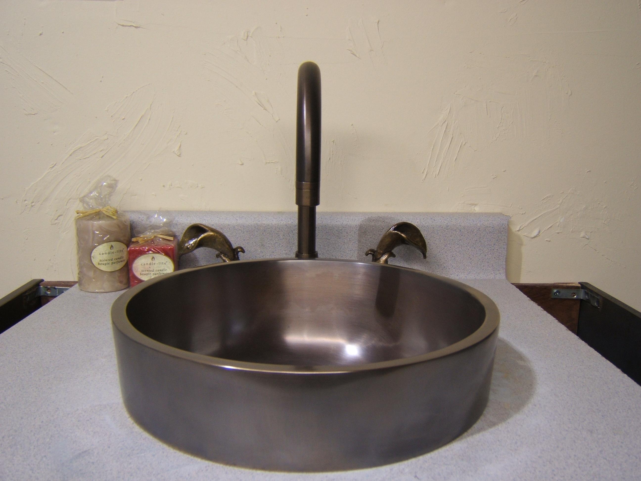 Picture of Cosmopolitan Bronze Bath Sink