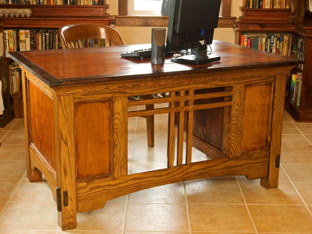 Picture of White Oak Office Desk