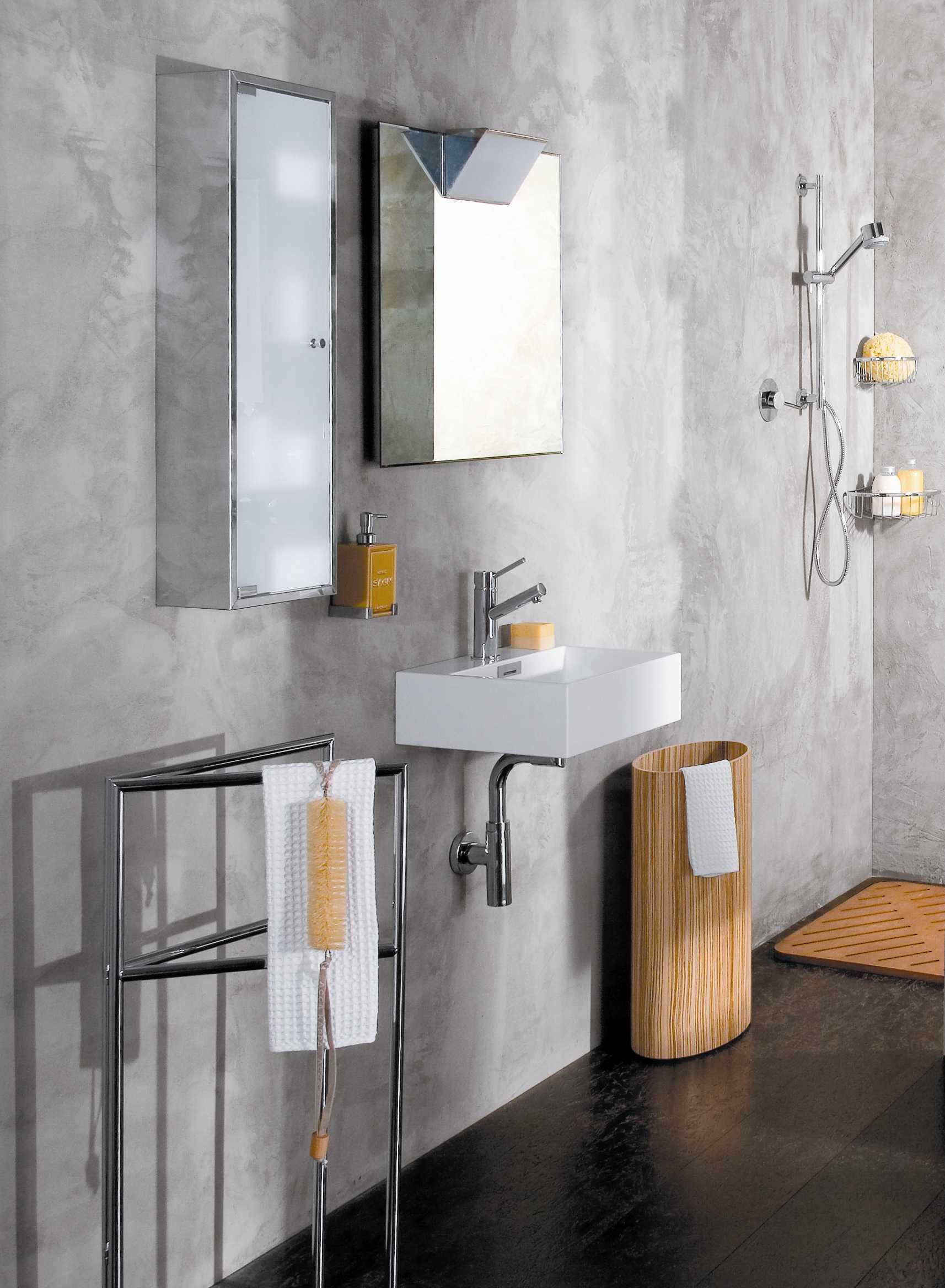 """Picture of Quarelo 19.7"""" Italian White Ceramic Sink"""