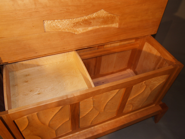Picture of Sculpted Chest and Stand