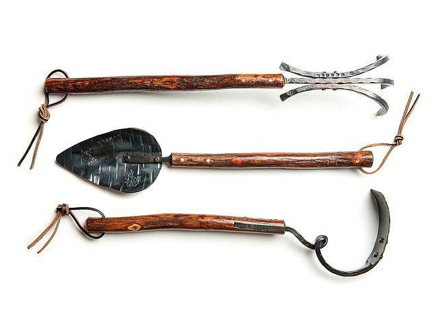 Picture of Shagbark-Handled Three-Tined Rake