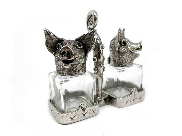 Picture of Two Pigs Salt and Pepper Shakers Set