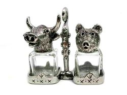 Picture of Bear and Bull Salt and Pepper Shakers Set