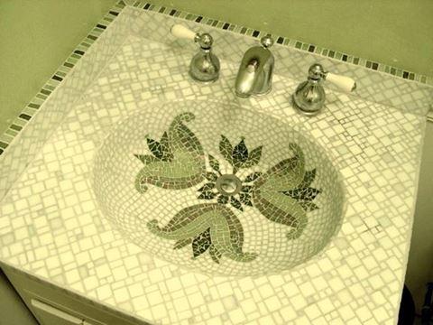Emerald Fleur de Lis Integral Bathroom Sink