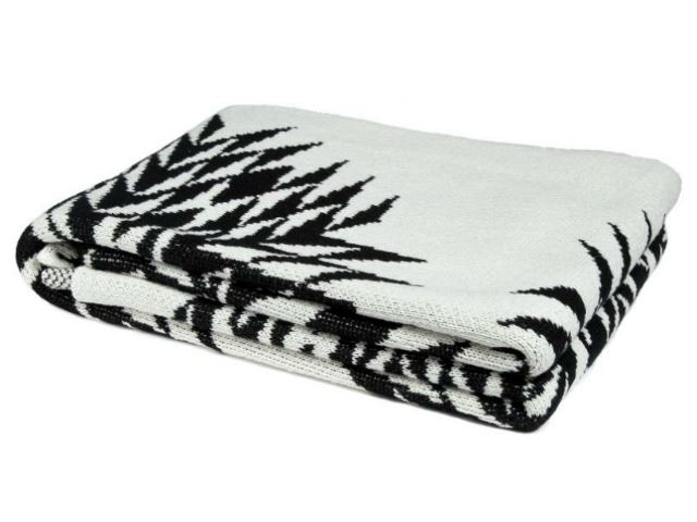 Picture of Eco Spikes Design Throw by In2Green