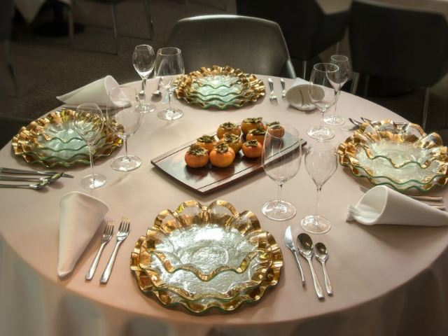 """Picture of Ruffle 13"""" Glass Buffet Plate"""