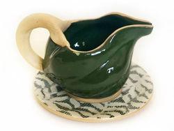 Ceramic Sauceboat & Tray - Pine